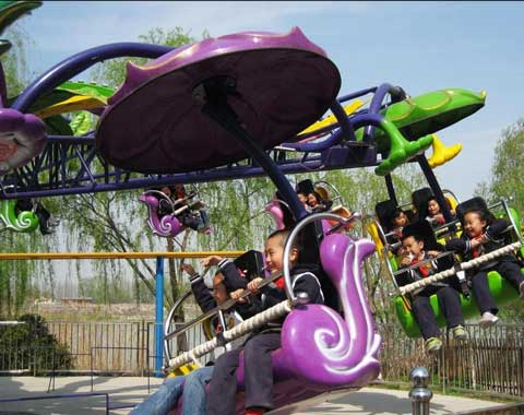 Children Enjoying Beston Paratrooper Ride
