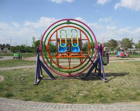 4-seat Human Gyroscope Ride for Sale in Beston